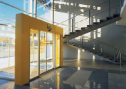 Business-retail building PLINSTAL