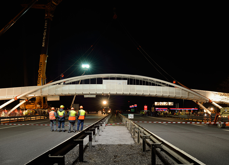 Pedestrian and bicycle bridge over the A2 highway at the KRANJ-vzhod exit -